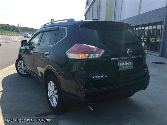 Nissan X-Trail image 2