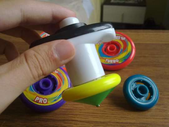 Twister Tower Tops - Toy