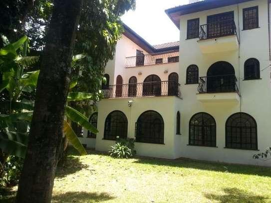 4 bedroom house for rent in Riverside image 1