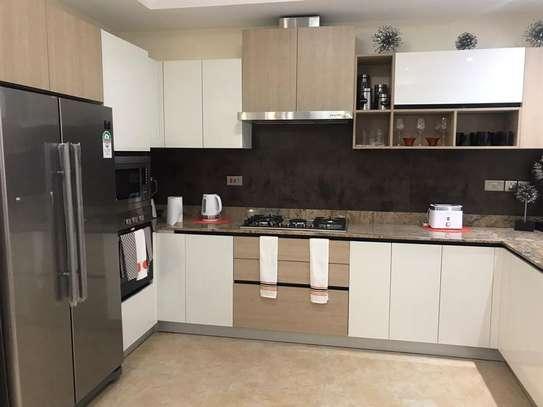 Riverside - Flat & Apartment image 9