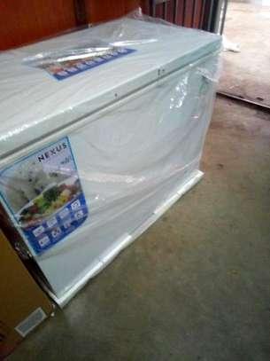 Brand new chest freezer 300L on sale image 1