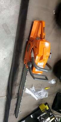 BRAND NEW HISAKI CHAIN SAW. image 3