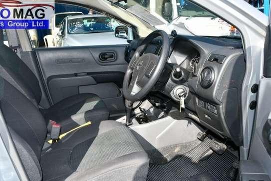 Nissan Advan image 10
