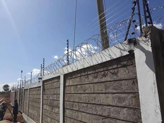Razor Wire Plus Installation image 1
