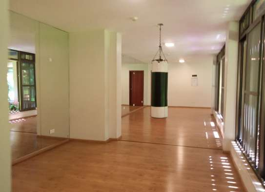 3 bedroom apartment for rent in Muthaiga Area image 4