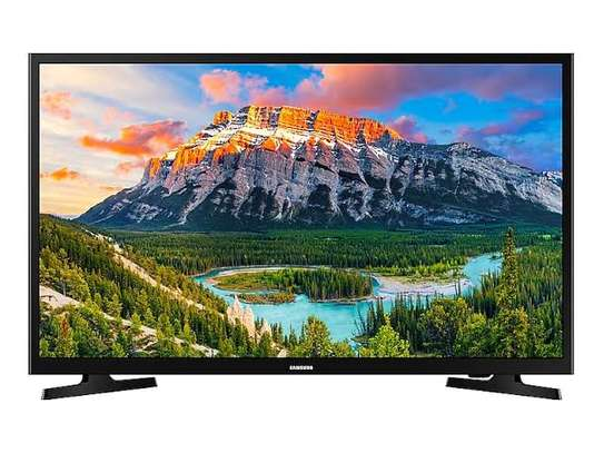 Brand new samsung 32 inch led digital tv available in my shop
