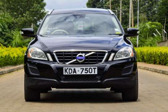 Volvo XC60 image 1