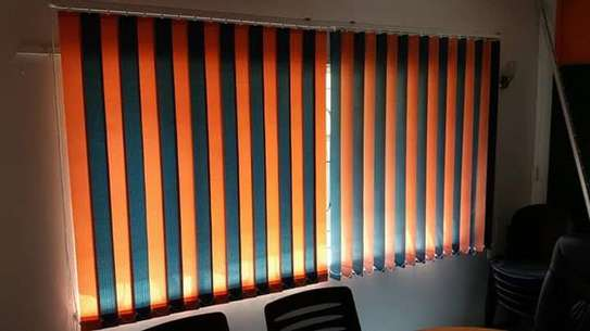 BEAUTIFUL OFFICE BLINDS / CURTAINS image 3