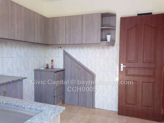 4 bedroom townhouse for rent in Syokimau image 8
