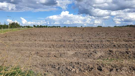 20 ac commercial land for sale in Kisaju image 1