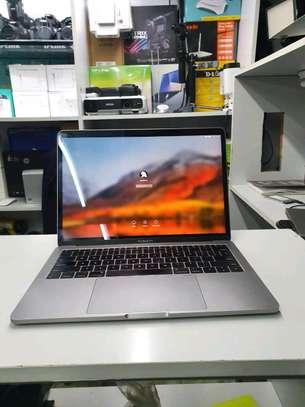Macbook pro 2017 / Core i5/8gb /128gb image 2