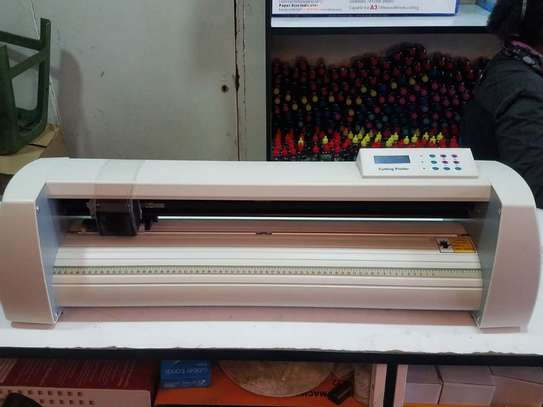 Vinyl redsail cutting plotter machine image 1