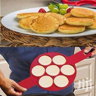 Non Stick Silicone Pancake Maker Flipper & Fried Egg Mold Ring - Red image 2