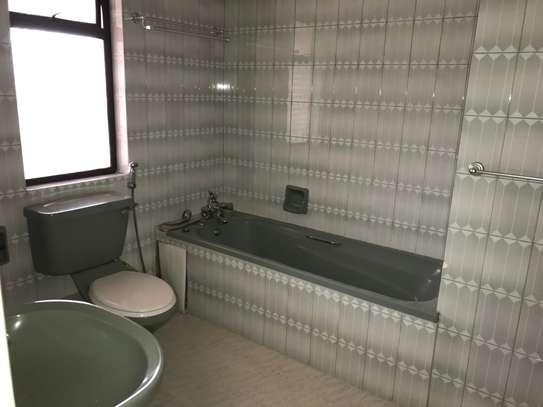 5 bedroom townhouse for rent in Rhapta Road image 4