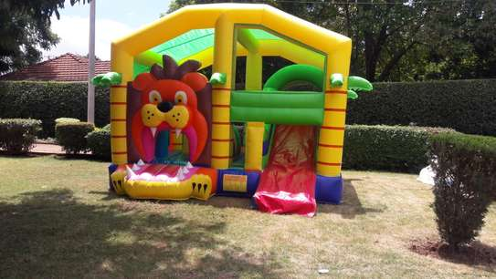 bouncing castles for hire image 4