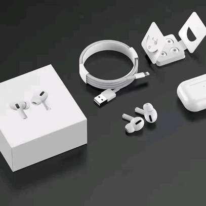 Aipod Pro , headset image 2