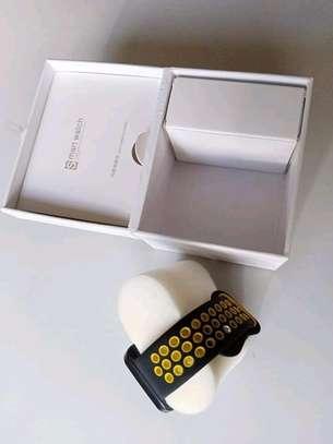 DM09 Smartwatch image 3
