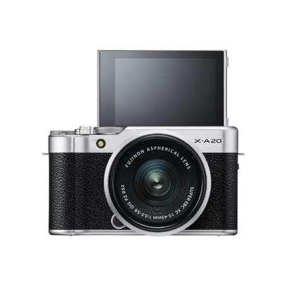 Fujifilm X-A20 Mirrorless Digital Camera with 15-45mm XC Lens image 1