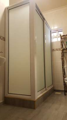 Shower Cubicles image 2
