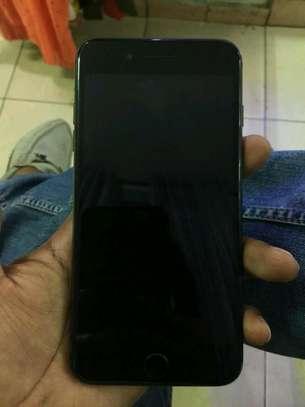 iphone 8plus 64GB image 3