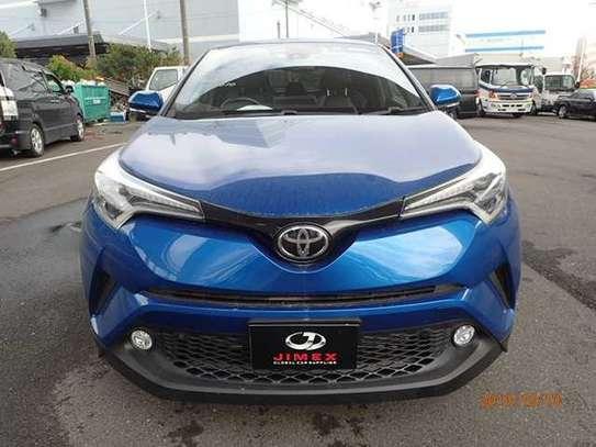 Toyota CH-R image 8