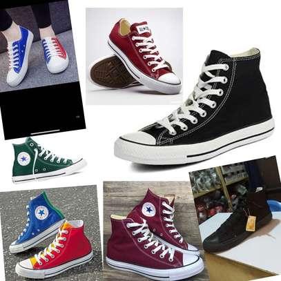 Unisex converse shoes image 1