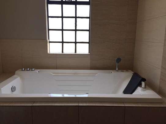 4 bedroom townhouse for rent in Kitisuru image 19