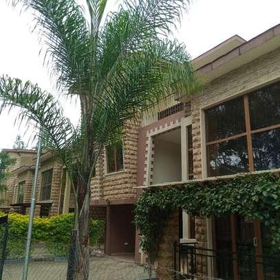 5 bedroom villa for rent in Lavington image 16