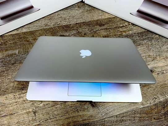 Apple MacBook Pro 15 inch RETINA / CORE i7 / 256SSD / 16GB / WARRANTY / OS-2015 image 2