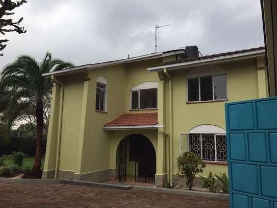 Runda - House image 16