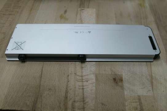 Original Apple Macbook Pro Aluminum Unibody A1281 Battery image 1
