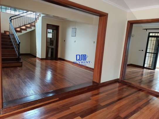 4 bedroom house for rent in Gigiri image 9