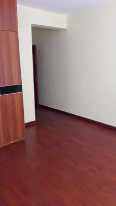 beautiful 2br apartment to let in kileleshwa for 70k on mandera road image 8