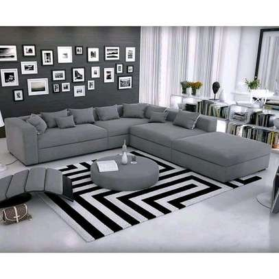 New classy sectional 8 seater couch image 1
