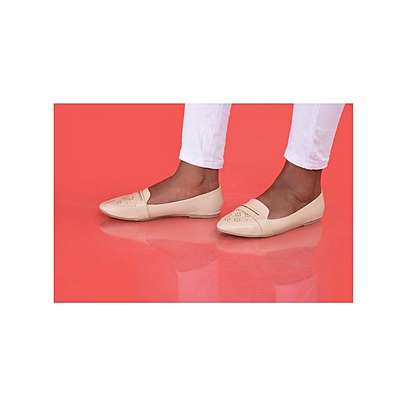 Women Flat Shoes image 1