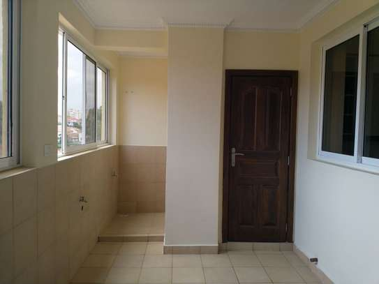 3 bedroom apartment for rent in Kyuna image 9