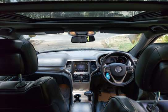 Jeep Grand Cherokee image 1