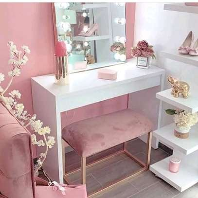 DRESSING MIRROR FOR SALE IN NAIROBI image 1
