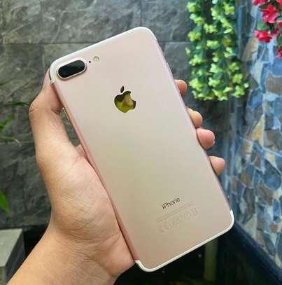 Iphone 7 plus *Golden* image 3