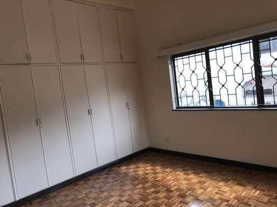 5 bedroom townhouse for rent in Rhapta Road image 10
