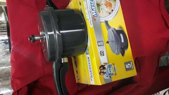 Pressure Cooker/ non stick Pressure Cooker/5lts Pressure Cooker image 3