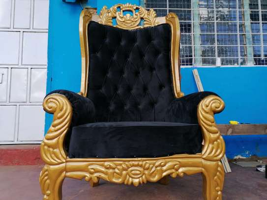 Kings Sofa image 1