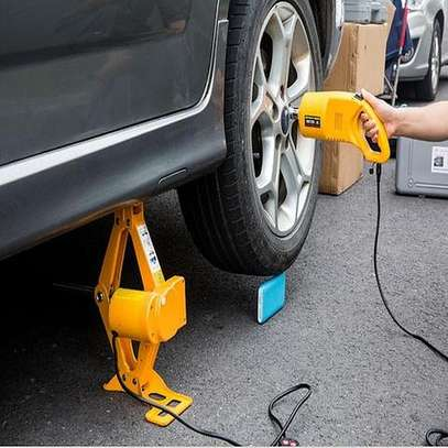 7 tonnes Electric Car Jack Kit with Wrench image 1