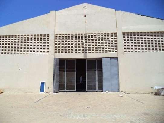 780 m² warehouse for rent in Kikambala image 4
