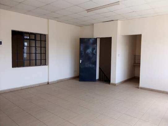 5000 ft² commercial property for rent in Industrial Area image 15