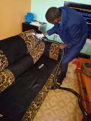AUTO  INTERIOR CLEANING SERVICES image 7