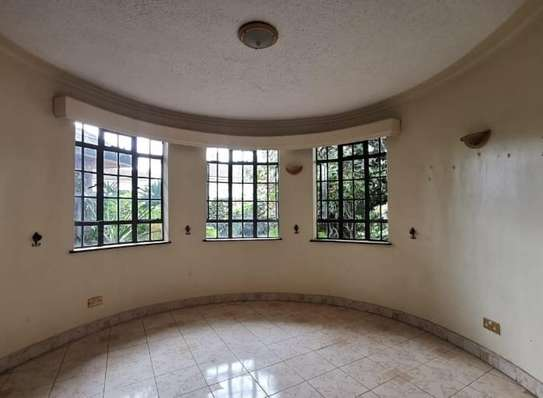 5 bedroom house for rent in Nyari image 17