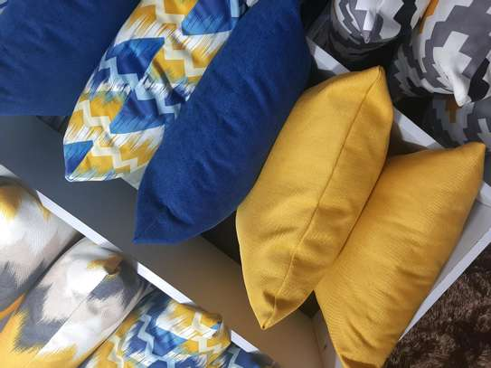 SWEDE QUALITY THROWPILLOWS image 2