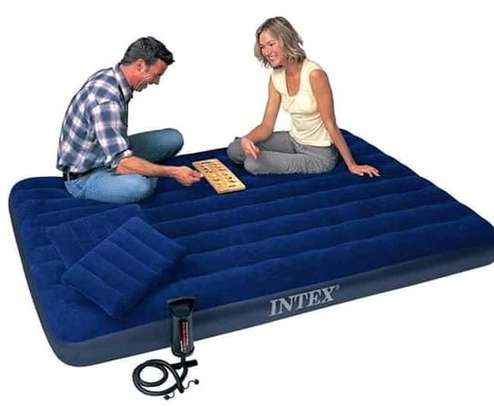 Inflatable Mattress  with pump image 1