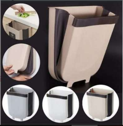 Collapsible hanging dustbin